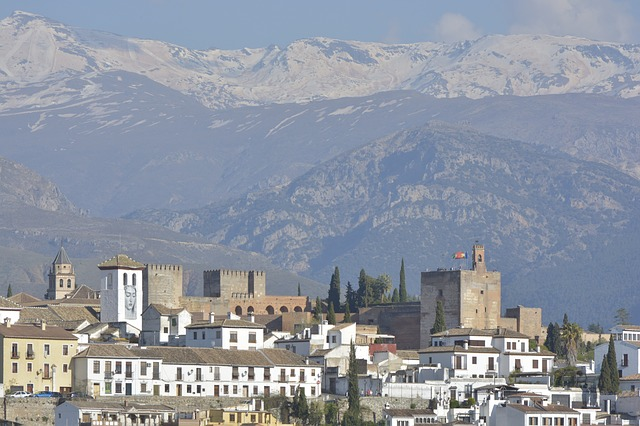 the-alhambra-2424582_640