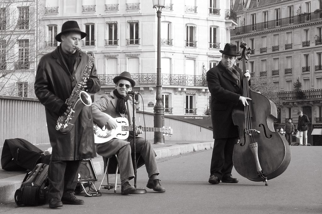 Romantic things to Do in Paris: Enjoy a Jazz play