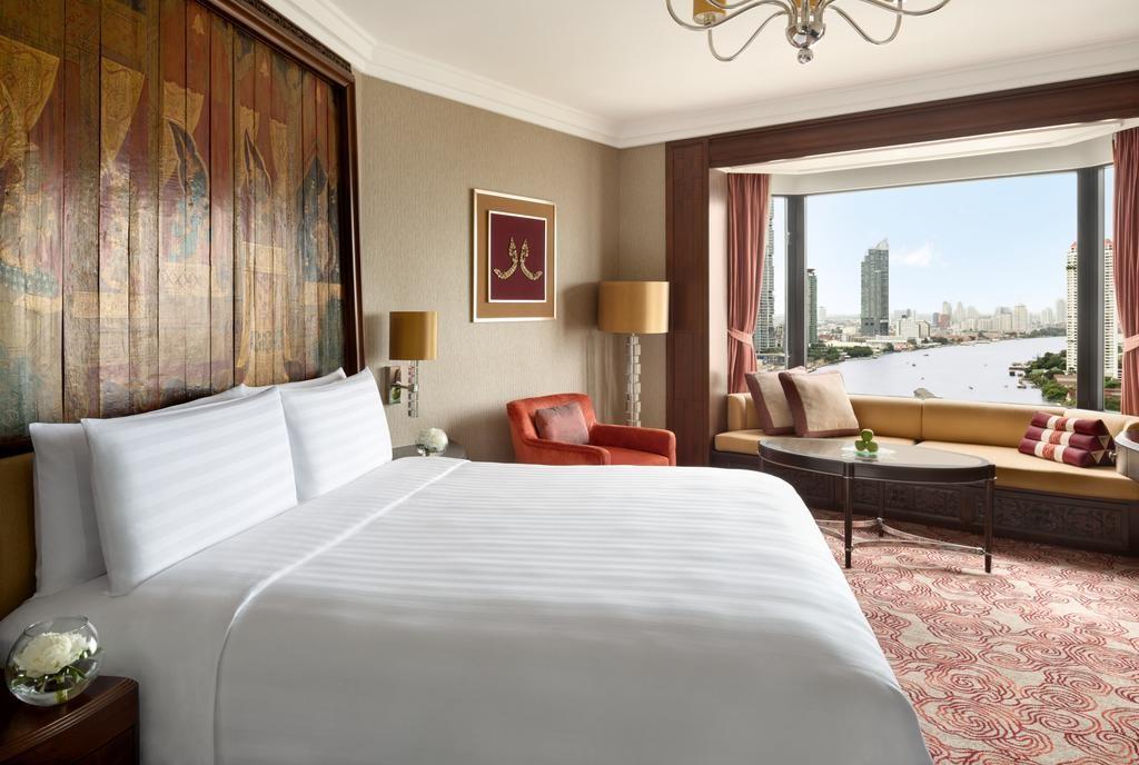 Shangri-La hotel suites