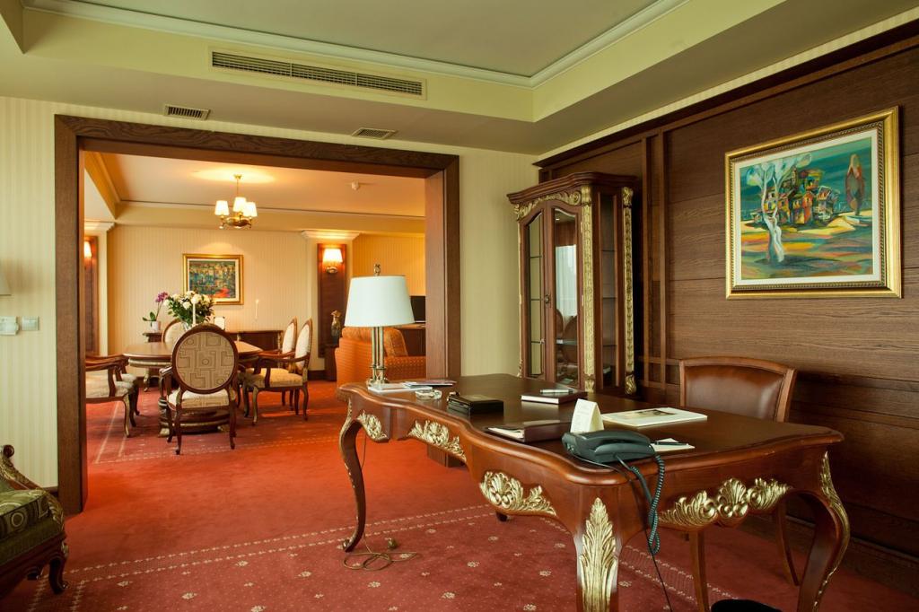 Grand Hotel Sofia. Guest room