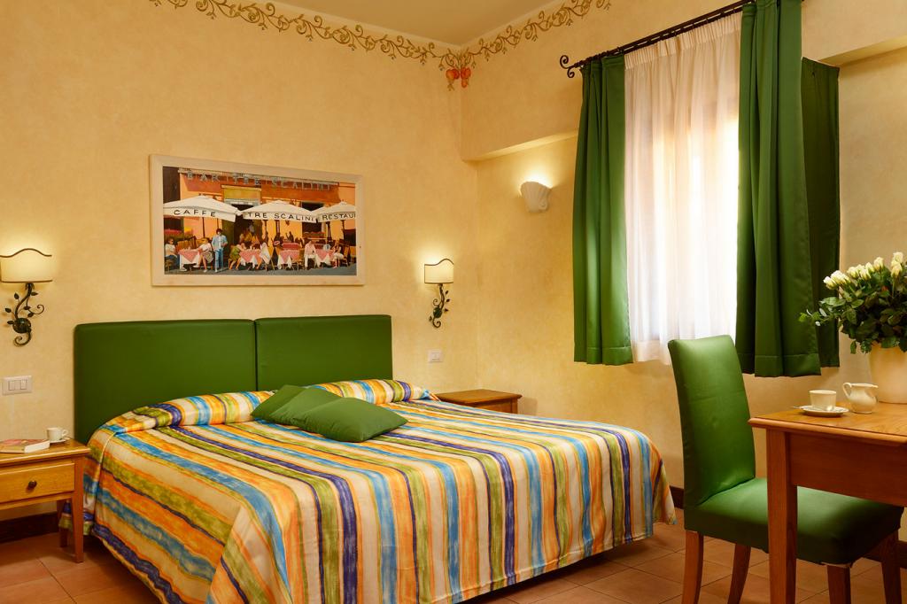 Hotel Santa Maria. Guest room